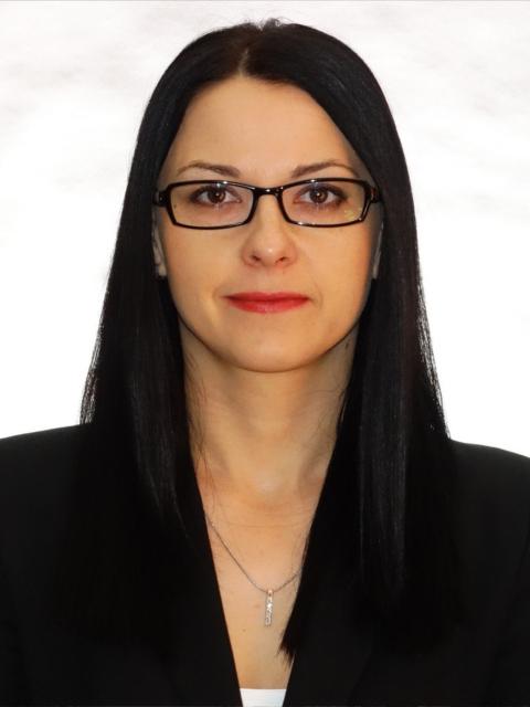 Dr. Bata Anikó